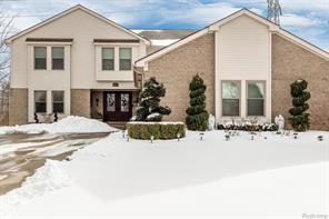 1371 BEMBRIDGE Drive, Rochester Hills
