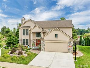 1014 Pointe Place Boulevard, Rochester 48307